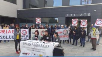 Roda de premsa de suport a Brian Bartés, ahir