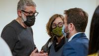 Carles Riera i Eulàlia Reguant, de la CUP, parlant amb el president Pere Aragonès