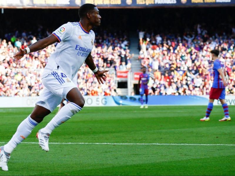 Alaba celebrant el seu gol