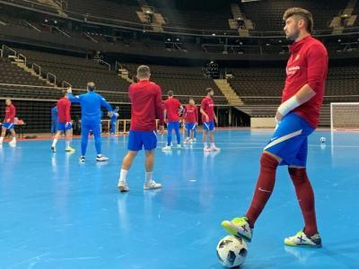 Els jugadors del Barça entrenant-se a Kaunas, l'escenari del grup 3 de la fase principal de la Champions