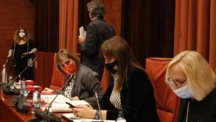 La presidenta del Parlament, Laura Borràs, amb les vicepresidentes Alba Vergés i Assumpta Escarp, en la reunió de la Junta de Portaveus celebrada ahir